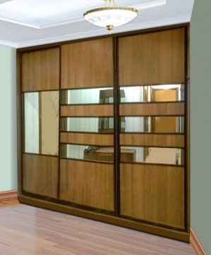 Шкаф купе 3-х дверный комбинированный